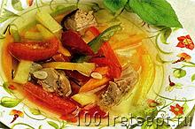 Суп из баранины с овощами в тарелке. Фото.