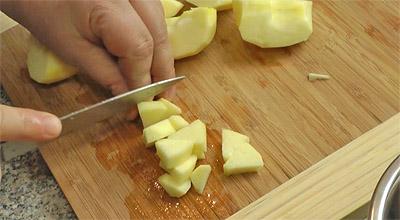 Пшенная каша на молоке с изюмом и яблоком - рецепт пошаговый с фото