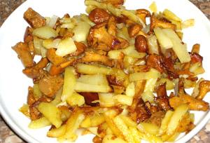 жареные лисички в сметане с картошкой рецепт